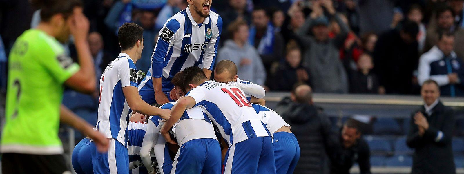 O FC Porto ganhou ao Rio Ave por por 4-2