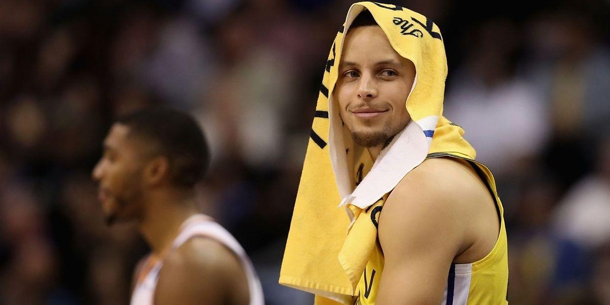 Stephen Curry a sorti les Warriors d'un très mauvais pas à Sacramento.