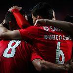 Benfica esmaga Nacional e fica a um ponto do FC Porto