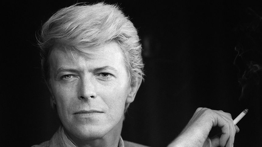 (FILES) This file portrait taken on May 13, 1983 shows British singer David Bowie during a press conference at the 36th Cannes Film Festival. According to official social media accounts on January 11, 2016, British music legend David Bowie has died.      AFP PHOTO / FILES / RALPH GATTI
