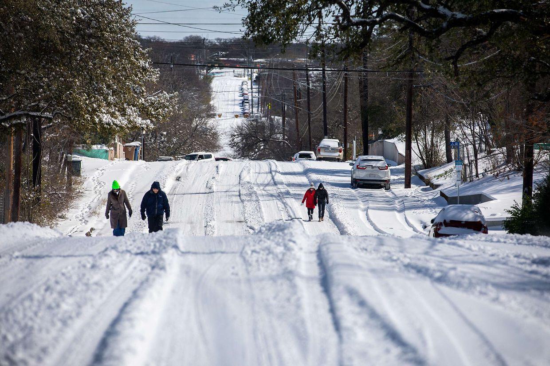 Alguns estados americanos estão a sofrer as consequências de uma corrente fria sem precedentes.