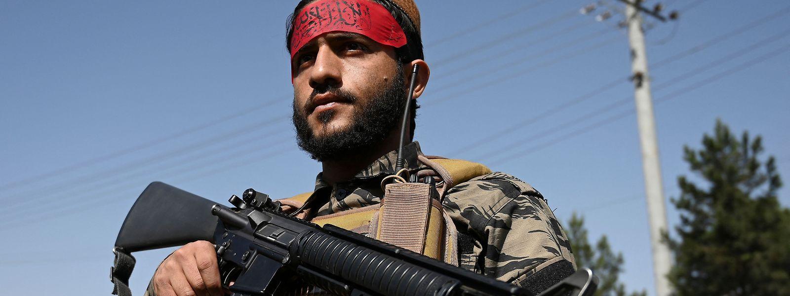 Nach dem Machtwechsel in Kabul wollen sich einige Mineralölkonzerne mit den Taliban arrangieren, um den Bau einer Pipeline, die durch Afghanistan führt, voranzutreiben.