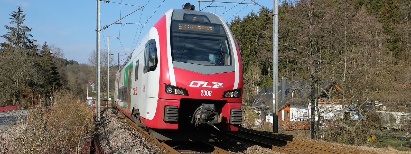 Si les locomotives passagers sont électriques, nombre des machines en service pour les CFL fonctionnent encore au diesel.