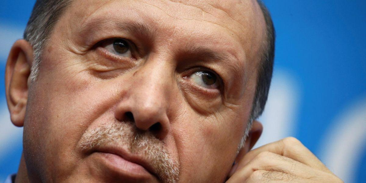 Die EU hat damit begonnen, die im Rahmen der Beitrittsverhandlungen vorgesehene Unterstützung für die Türkei zurückzufahren.