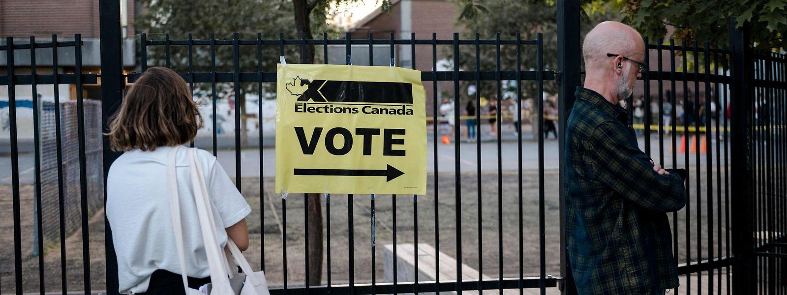Kanadier auf dem Weg zur vorgezogenen Neuwahl. Ihre Stimme änderte letztlich kaum etwas an den bestehenden Mehrheiten.