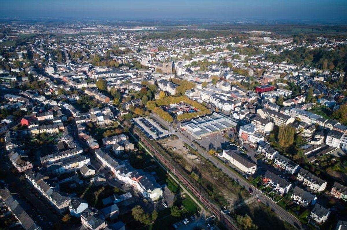 A l'avenir, la Route de Thionville longera la voie ferrée de plus près, tandis que la Place Fohrmann, sera plus petite. Un parking souterrain accueillera les voitures.