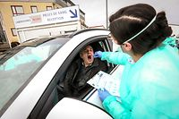 Lokales,Laboratoires Réunis-Corona-Test Drive-In.Junglinster. Foto: Gerry Huberty/Luxemburger Wort
