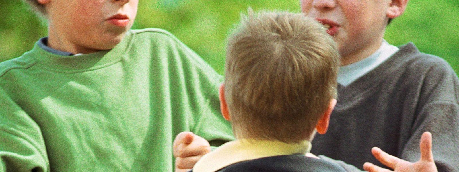Gerangel unter Kindern ist nichts Ungewöhnliches. Doch die extremen Gewaltfälle nehmen Aussagen von Eltern und Lehrkräften zufolge zu.