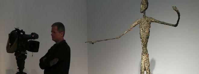 La sculpture d'Alberto Giacometti «L'homme au doigt» a atteint des sommets. Elle a été vendue pour 141,28 millions de dollars.