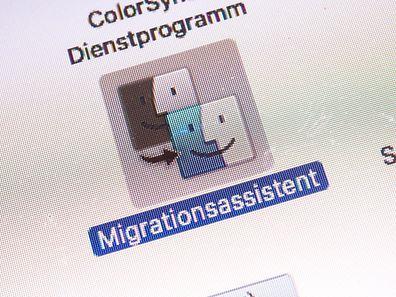 Beim Umsteigen von Windows auf Mac hilft das Apple-Betriebssystem mit einem grafischen Migrationsassistenen.
