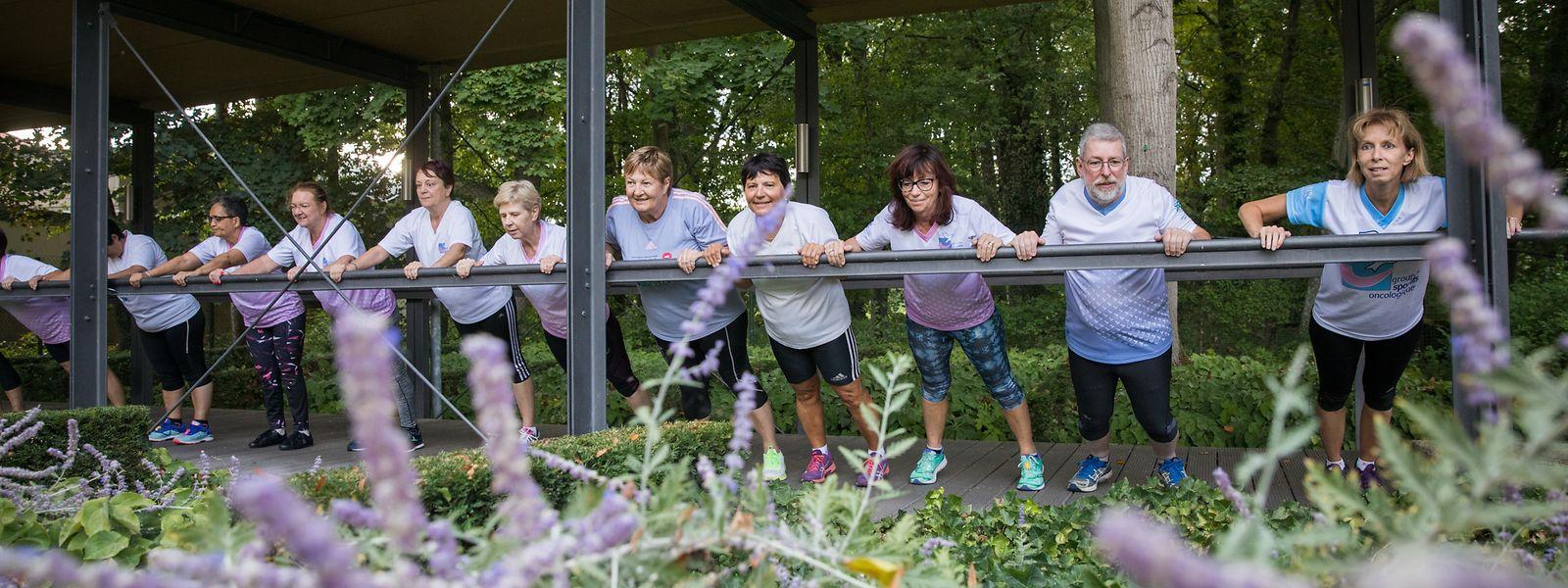 Sport wirkt sich positiv auf das Wohlbefinden von Krebspatienten aus. Krankengymnasten und Sporttherapeuten achten dabei auf eine angemessene Betreuung.