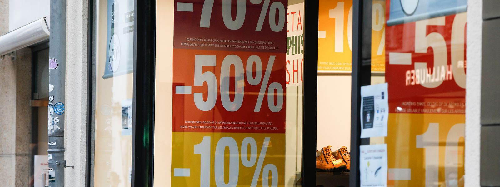 Der Sommerschlussverkauf endet und lässt die Inflationsrate steigen.