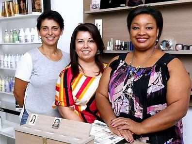 A equipa feminina do salão. Da esquerda para a direita: Edite de Oliveira, Milena Simões e Elisabeth de Pina