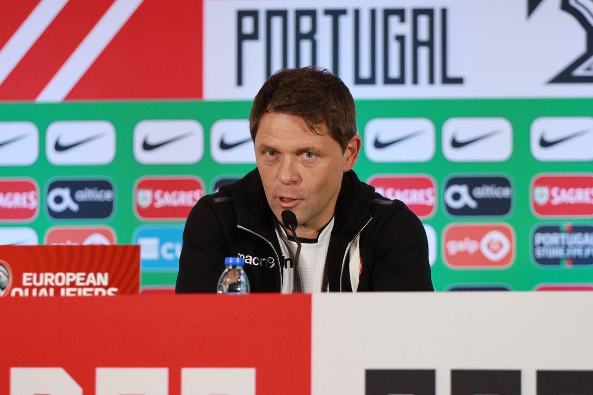 Nationaltrainer Luc Holtz freut sich über die schwere Aufgabe.