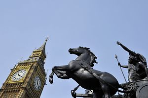 """Ein """"hung parliament"""" ist die Folge der vorgezogenen Unterhauswahl. Jetzt heißt es Mehrheiten organisieren - oder zurücktreten."""