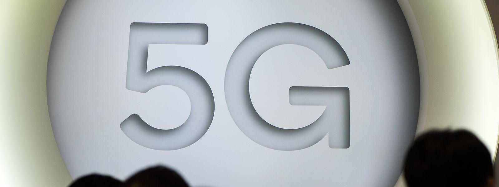 Die Datenübertragungsrate der neuen 5G-Technologie ist um ein Vielfaches höher als bei dem derzeit eingesetzten Mobilfunknetz der vierten Generation 4G.