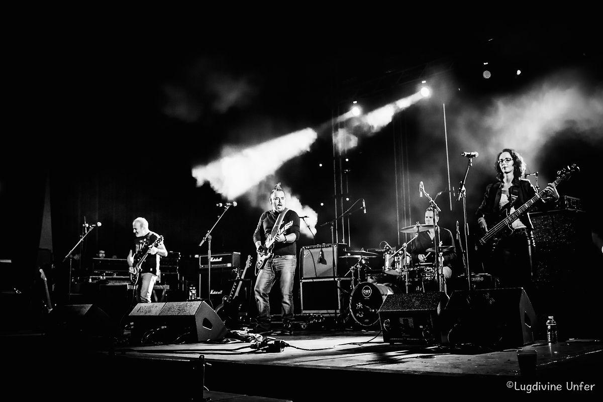 Na primeira parte de um concerto dos Xutos e Pontapés, em 2017.