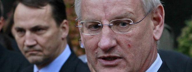 Carl Bildt (r.) und Radoslaw Sikorsky gehören zu den Unterzeichnern des Briefs an Donald Trump.