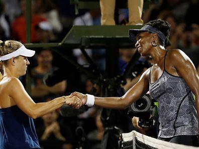 Venus Williams (r.) hatte gegen Angelique Kerber den besseren Tag erwischt.