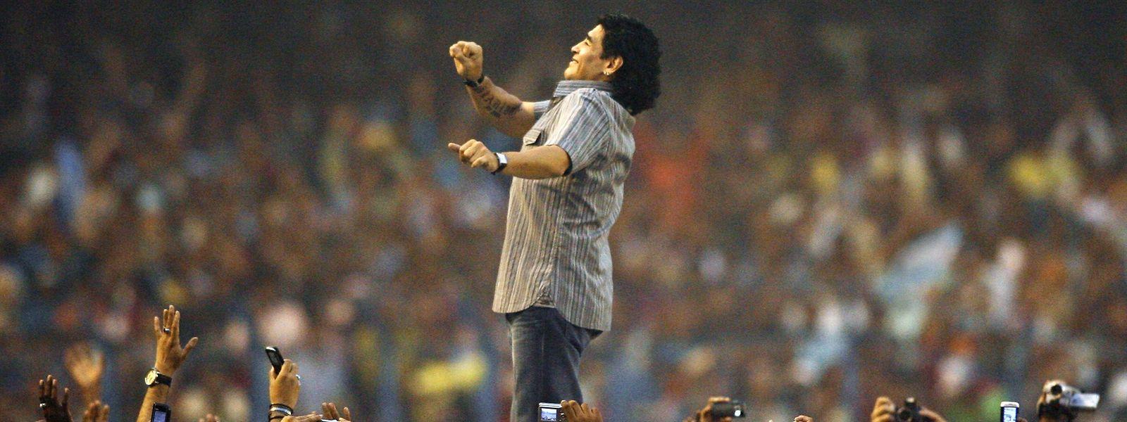 Diego Maradona wird von vielen Fußballfans verehrt.