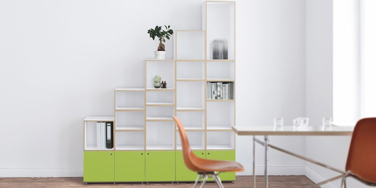 Viele Hersteller präsentieren derzeit denPantone-FarbtonGreenery für ihre Möbel. Hier ein Beispiel von Stocubo.