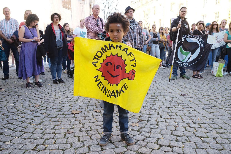 Marche pour le climat a Luxembourg, place Clairefontaine.