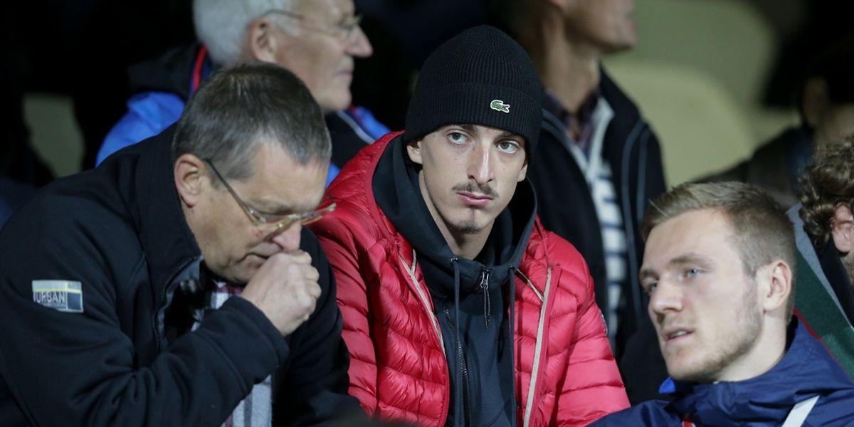 Enes Mahmutovic ici en dessous du Messin Emir Bijelic devra prendre son mal en patience.
