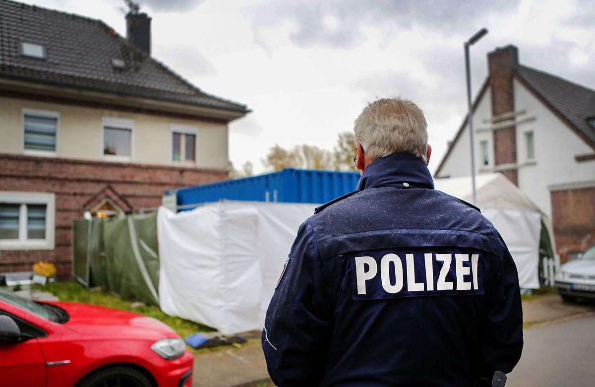 In Alsdorf (Nordrhein-Westfalen) wurde im November 2019 im Zusammenhang mit dem Missbrauchskomplex Bergisch Gladbach ein Verdächtiger festgenommenen und seine Wohnung durchsucht.