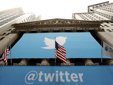 The Twitter logo is seen at the New York Stock Exchange before the company's IPO in New York, November 7, 2013.    REUTERS/Lucas Jackson (UNITED STATES  - Tags: BUSINESS)