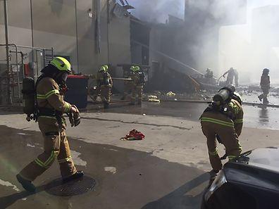 Les cinq occupants du Beechcraft, qui s'est écrasé sur le centre commercial DF0 peu de temps après son décollage, ont été tués.