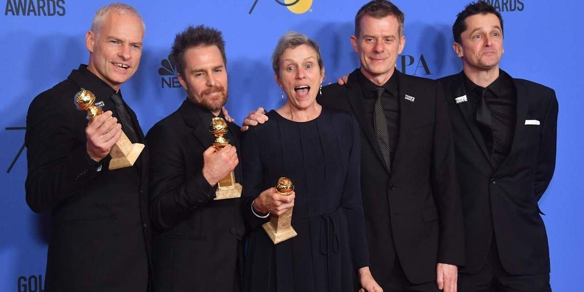 Martin McDonagh, Sam Rockwell, Frances McDormand, Graham Broadbent e Peter Czernin receberam os prémios do filme 'Three Billboards Outside Ebbing, Missouri'.