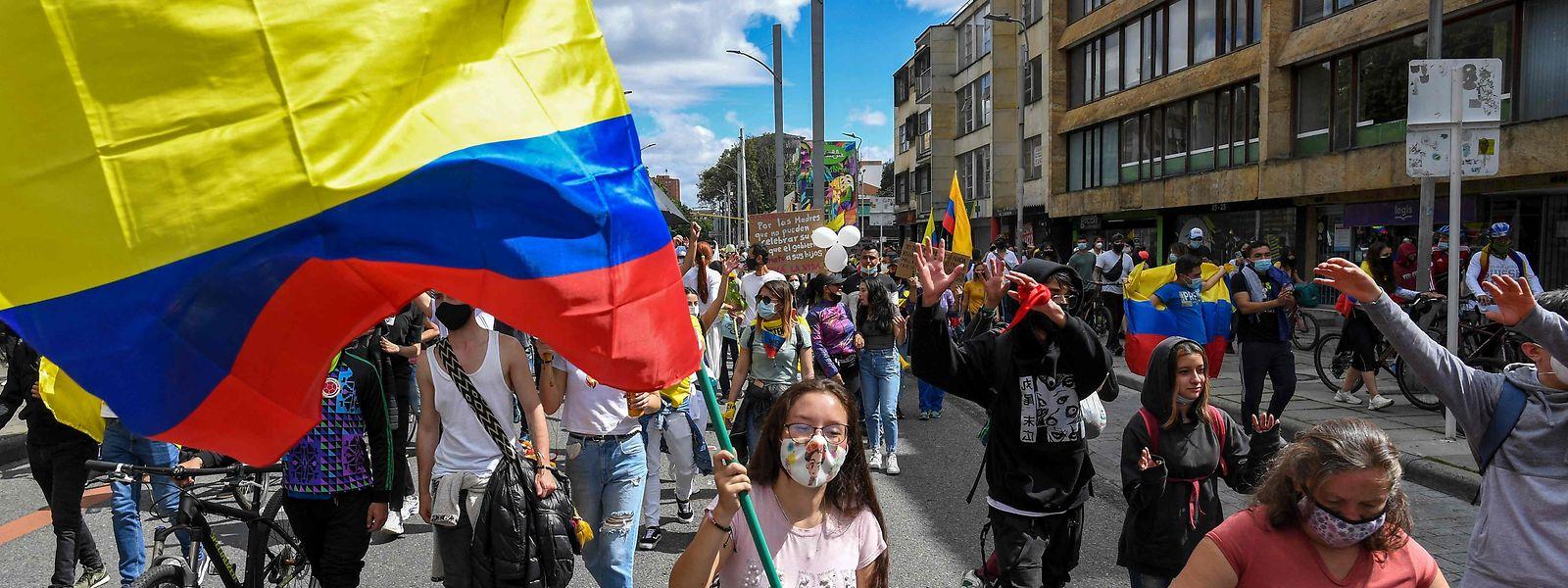 Die seit Wochen andauernden Proteste gegen die kolumbianische Regierung flauen nicht ab.