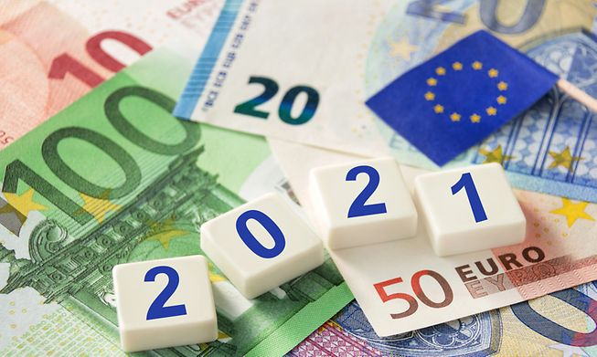 Governments across Europe must support companies to avoid a more damaging economic downturn, the IMF has said