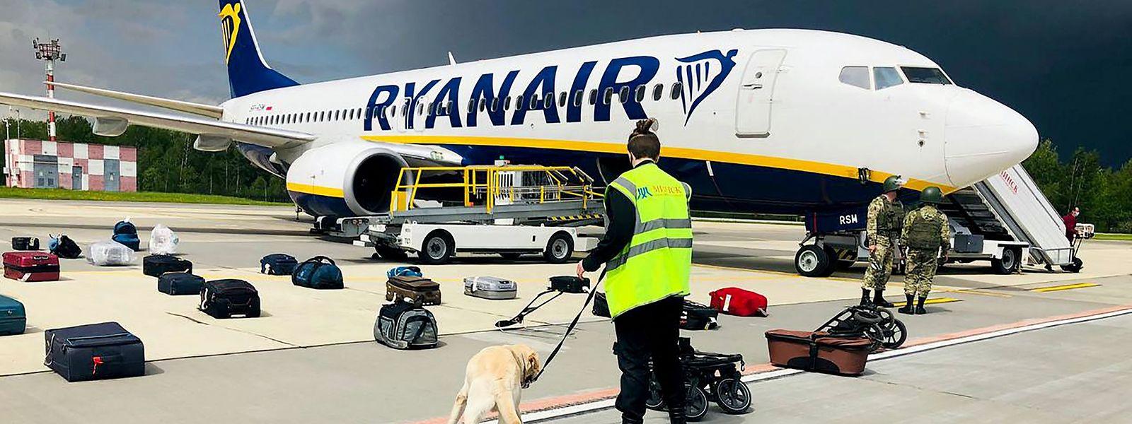 Die Besatzung des Flugzeuges war von belarussischer Seite über eine mögliche Sicherheitsbedrohung an Bord informiert worden.