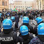 Itália saiu à rua contra o confinamento