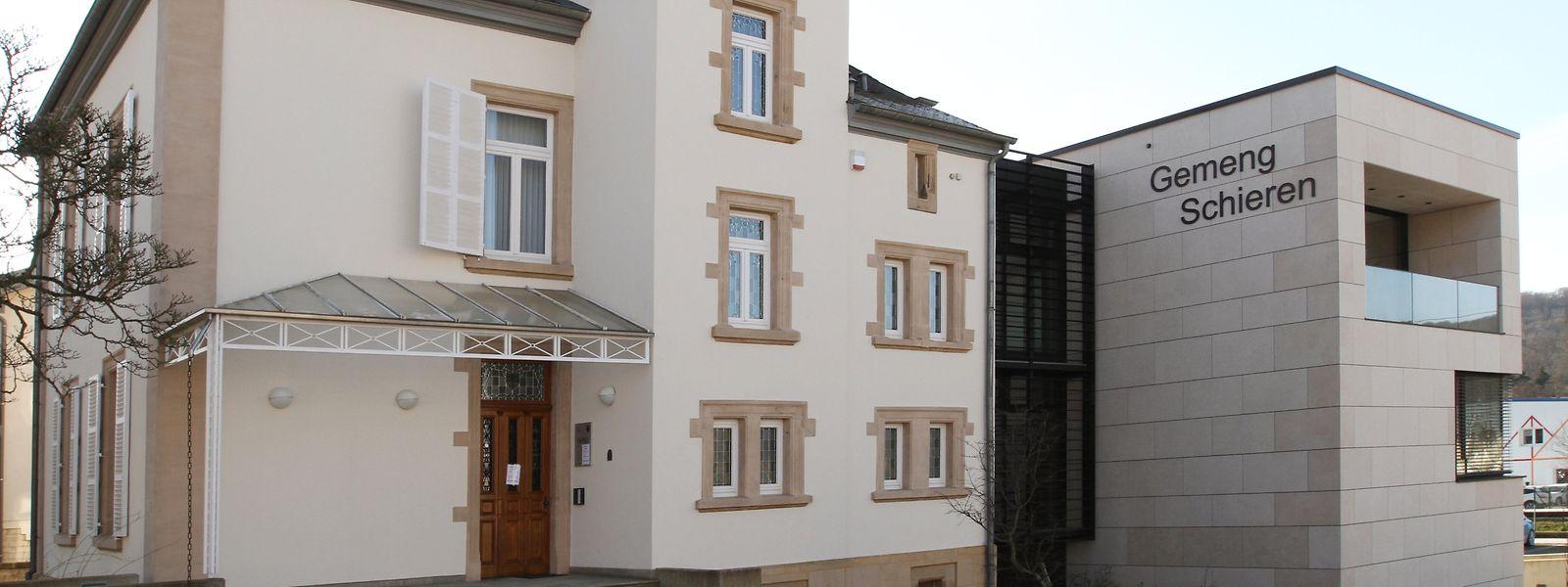 Das Schierener Gemeindehaus ist in der ehemaligen Villa Toussaint, an die vor drei Jahren ein moderner Anbau angefügt wurde, untergebracht.