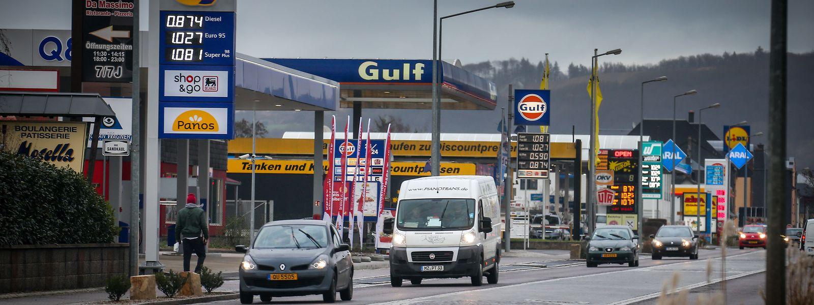 Mehr als die Hälfte der Luxemburger Tankstellen stehen an der Grenze zu den Nachbarländern.