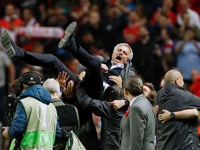 Manchester Uniteds Trainer José Mourinho ließ sich gebührend feiern.