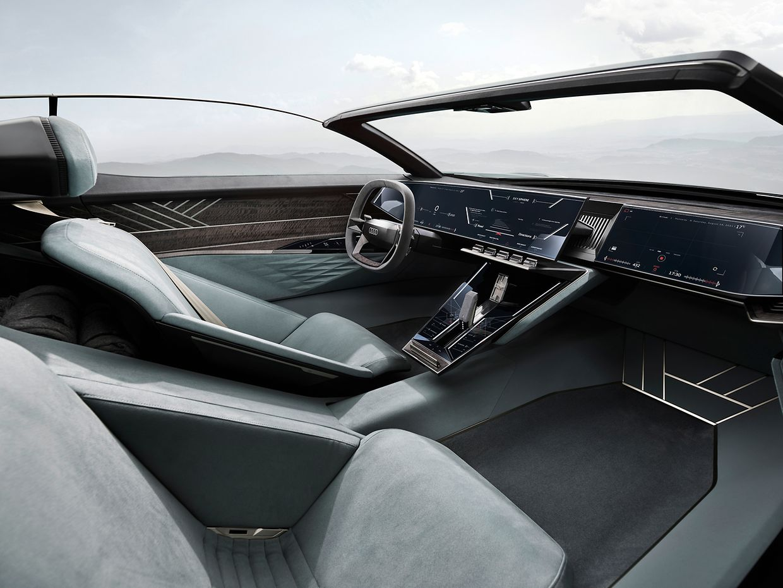 Im Innenraum des Konzeptfahrzeugs geht es futuristisch zu – ohne überflüssige sichtbare Knöpfe.