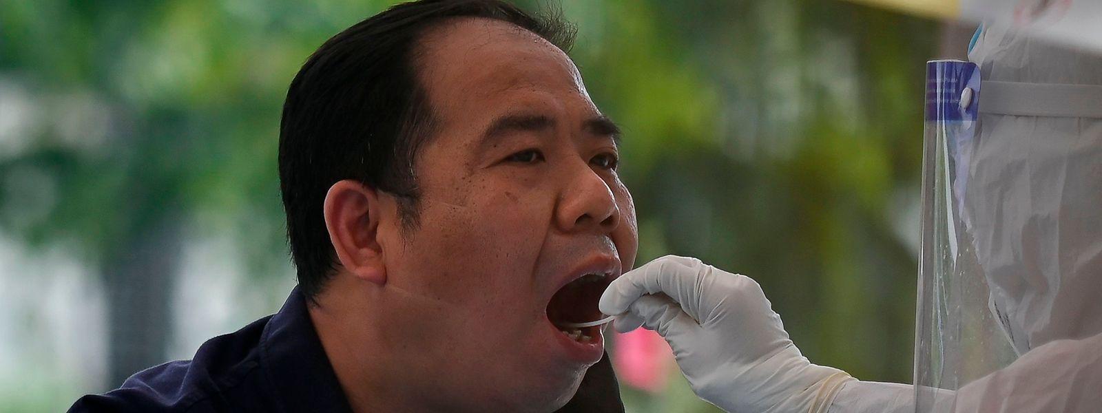 Les autorités locales ont mis en place ces derniers jours une vaste campagne de dépistage dans le but de stopper la propagation du virus.