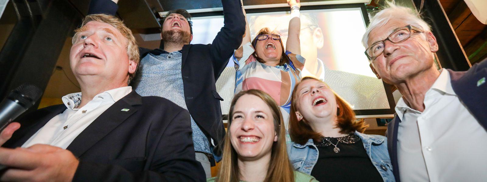 So sehen Wahlsieger aus. Déi Gréng können sich zum dritten Mal nacheinander steigern.