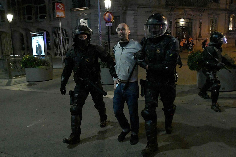 Ausschreitungen in Katalonien.