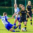 Svenjy Defays (17) gegen Jessy SchmitFoto: Serge Daleiden