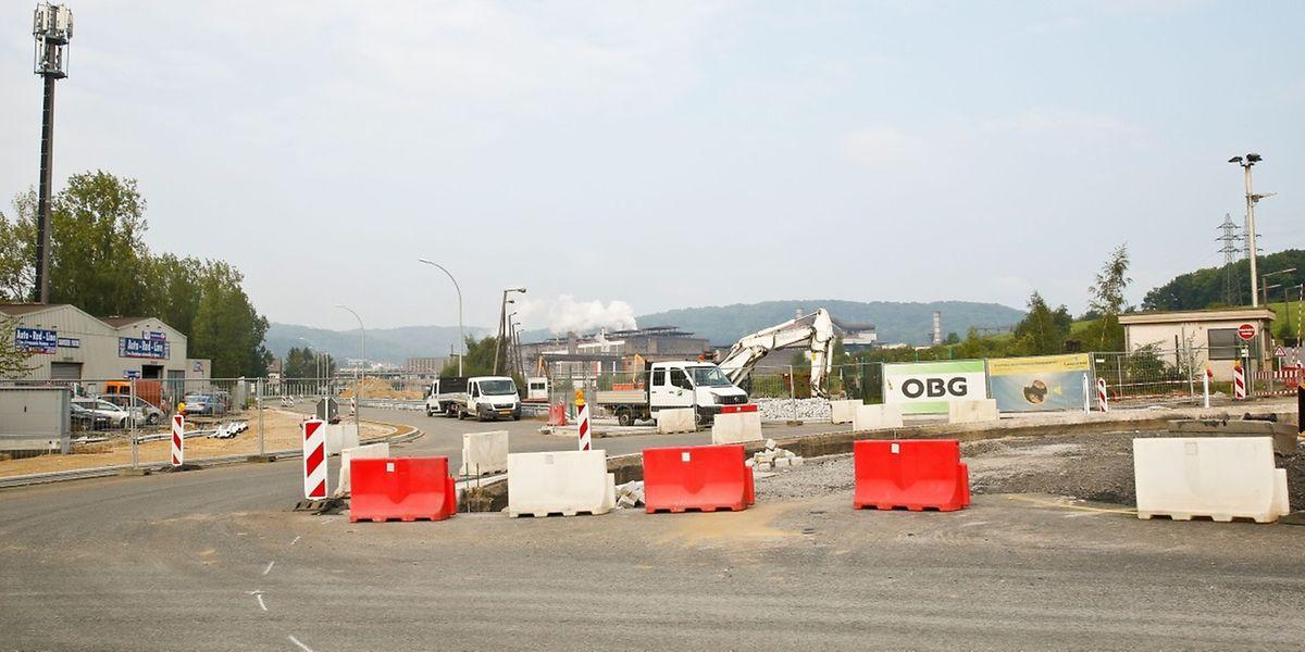 Beim Werkseingang entsteht ein neuer Kreisverkehr.