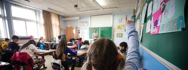 Der SEW, die Studenten und Referendare fürchten um die Unterrichtsqualität, wenn die neuen Rekrutierungsmaßnahmen eingeführt werden.