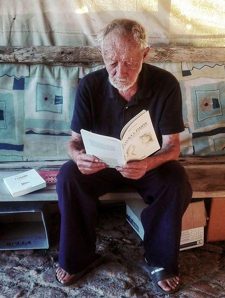 Der 82 Jahre alte Eremit muss nach 32 Jahren auf der einsamen Insel Budelli im Archipel von La Maddalena im Norden Sardiniens sein Haus räumen.