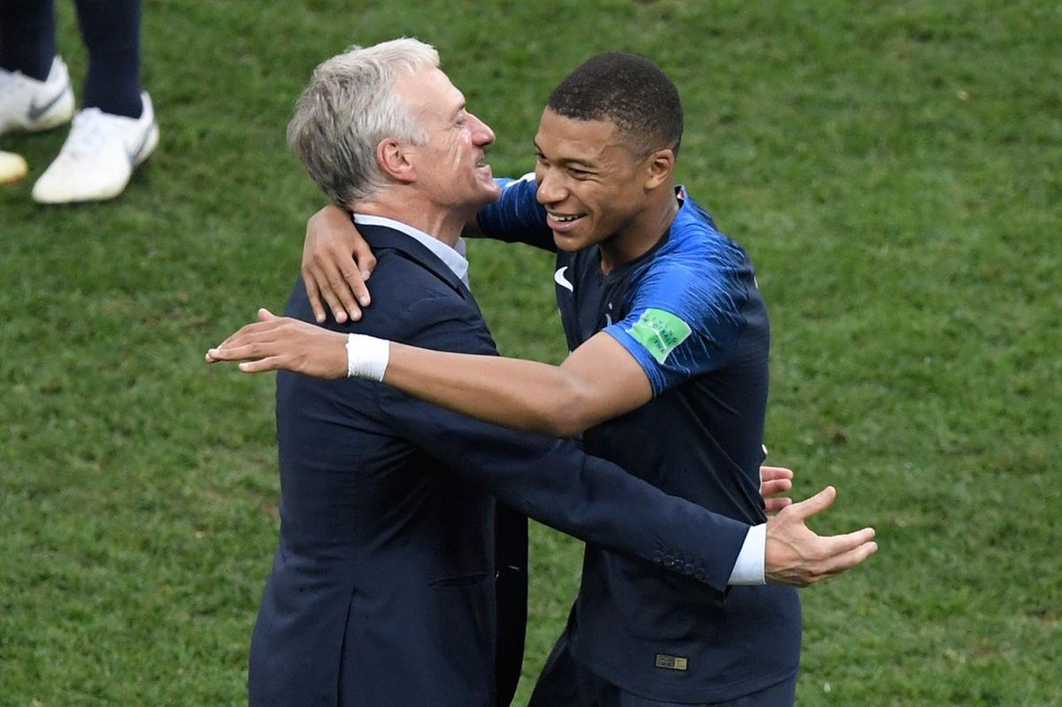 Didier Deschamps et Kylian Mbappé, deux symboles d'une équipe de France pas toujours glamour mais diablement efficace.