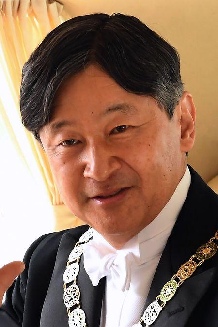 Naruhito, 59 anos, sucede ao seu pai, Akihito, 85, como Imperador do Japão.