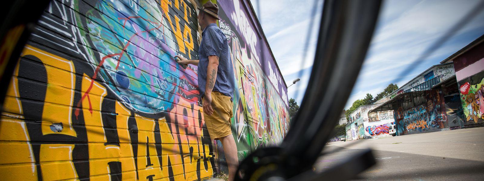 Lieu de rencontre privilégié pour les amateurs de street art, les anciens abattoirs devraient conserver cet aspect culturel après leur transformation.