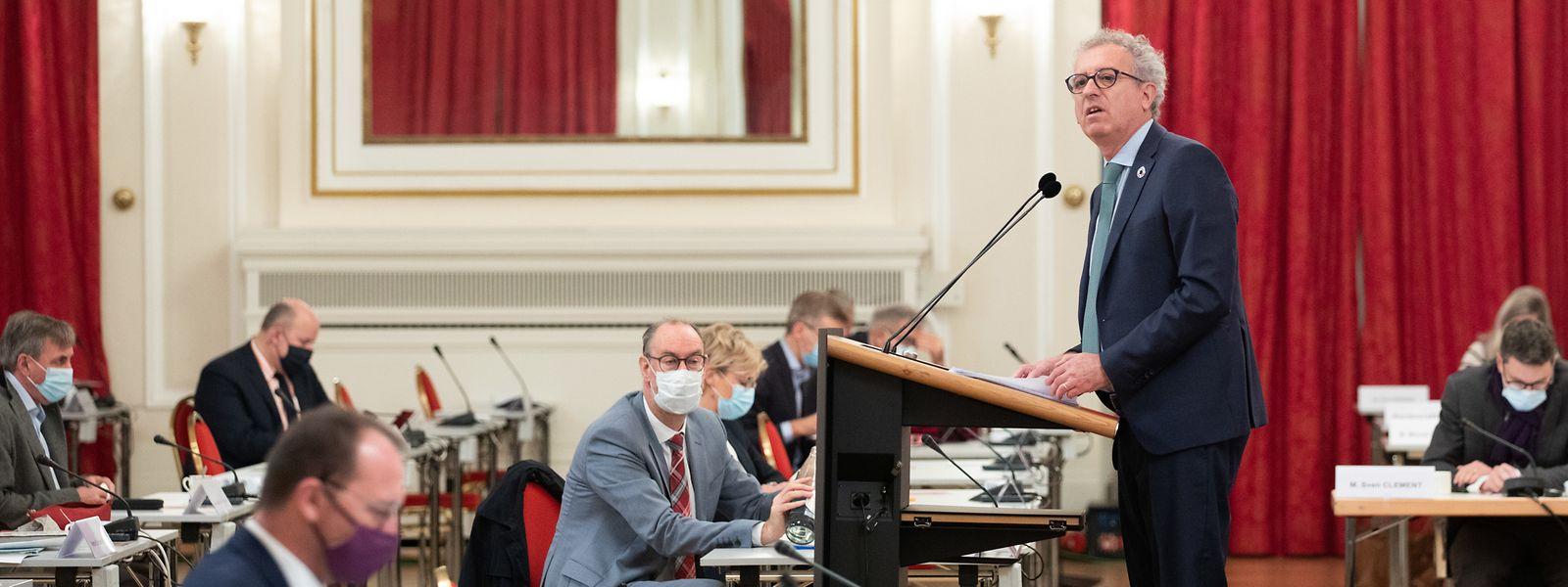 Par rapport à ses prévisions d'octobre dernier, le ministre Gramegna a dû ajouter 191 millions d'euros de nouvelles aides dans la colonne dépenses de son budget.